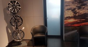 Nuovi espositori nella sala d'attesa